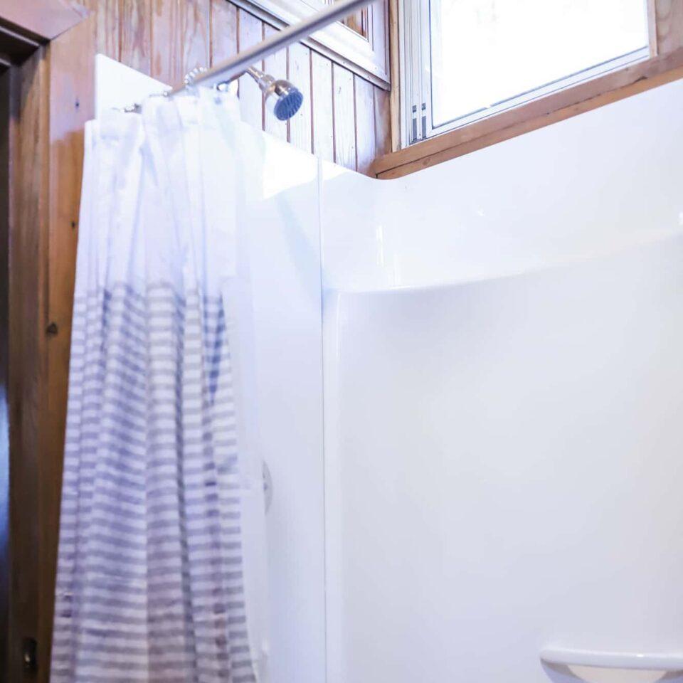 Caboose Shower - Rassawek
